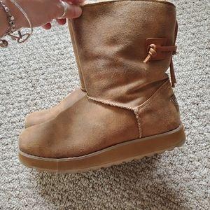 Skechers/ Tan Winter Boots